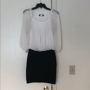 Black and white 3/4 sleeve dress